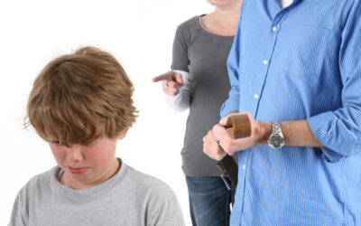 Дать ремня ребенку за баловство: правильно ли?