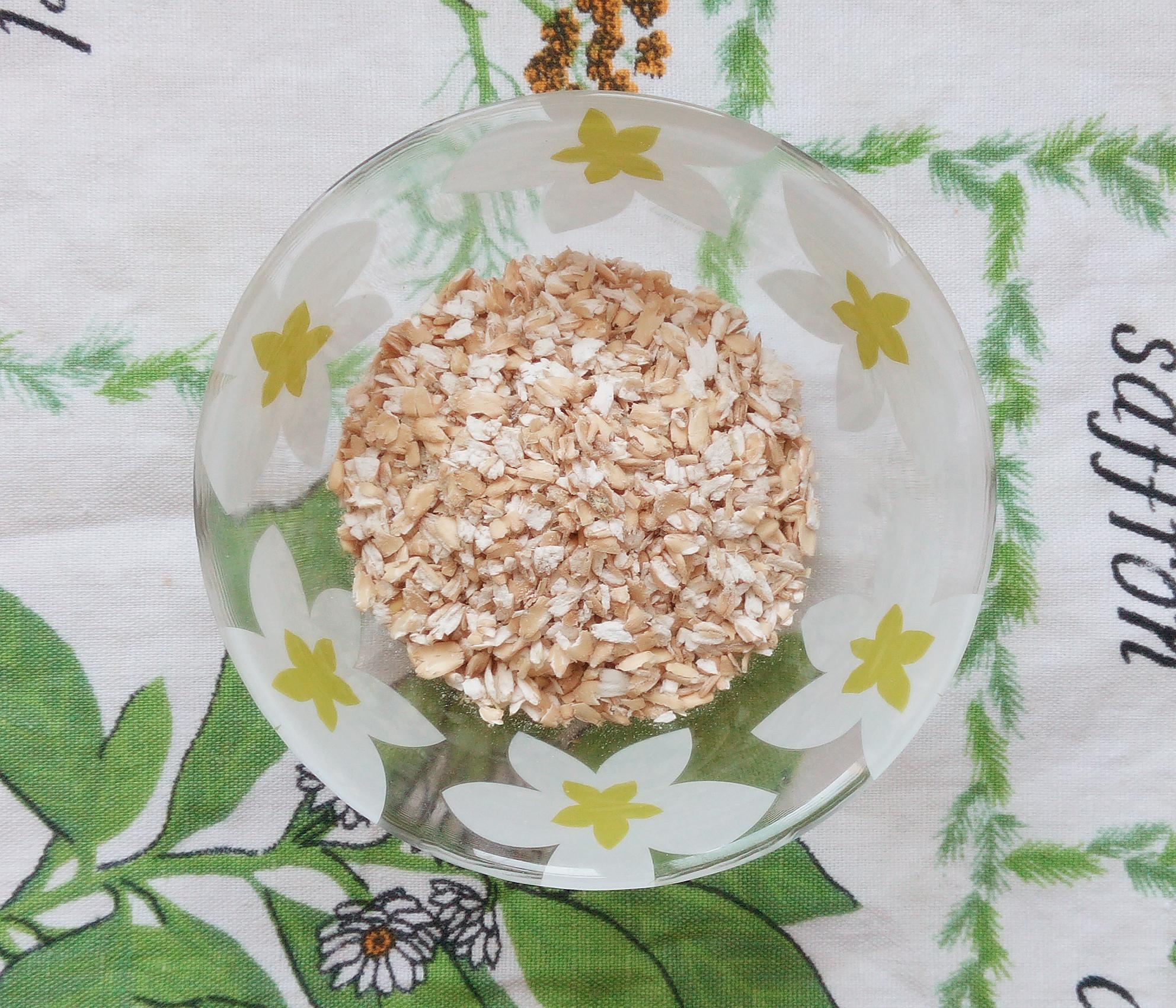 Пошаговый рецепт приготовления овсяных оладий с яблоком