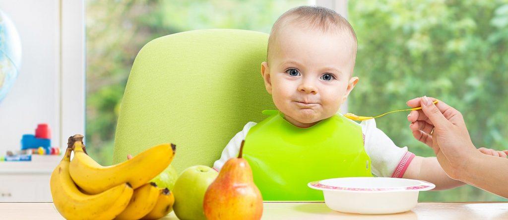 С чего начинать первый прикорм грудничка?