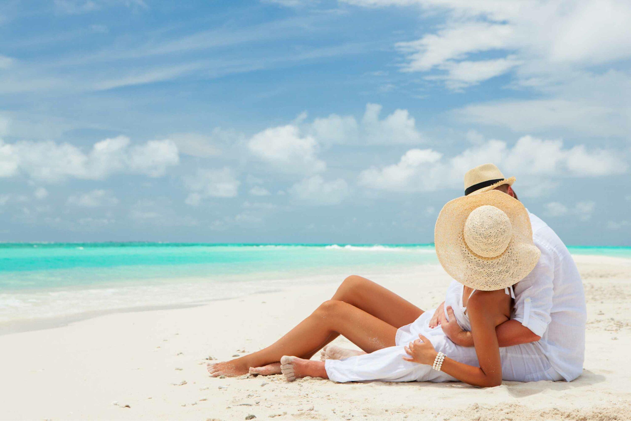 Как правильно заводить курортные романы?