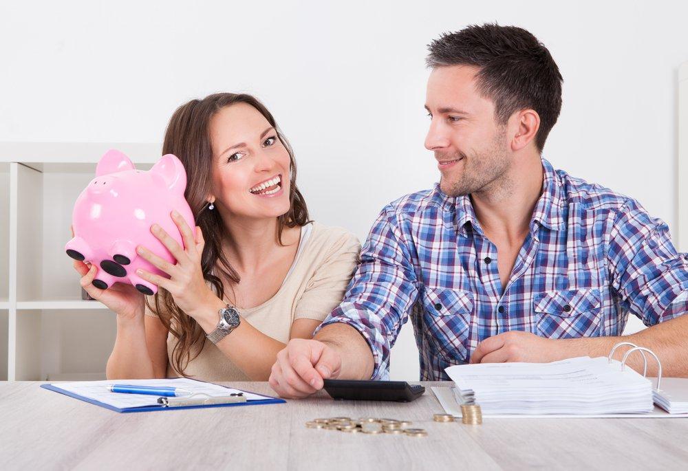 Как снизить расходы молодой семье с ребенком?