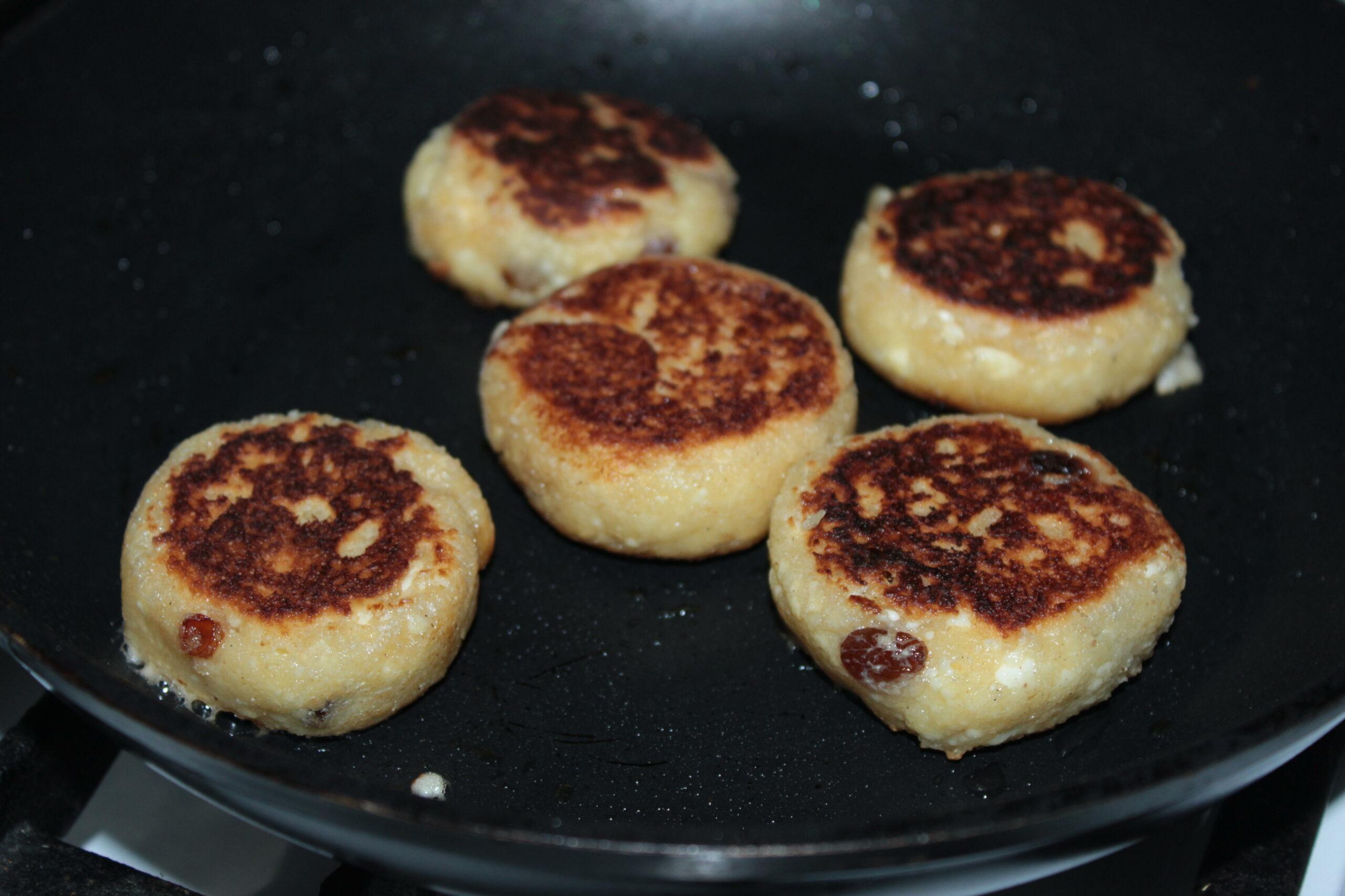 Сырники с изюмом. Пошаговый фото-рецепт