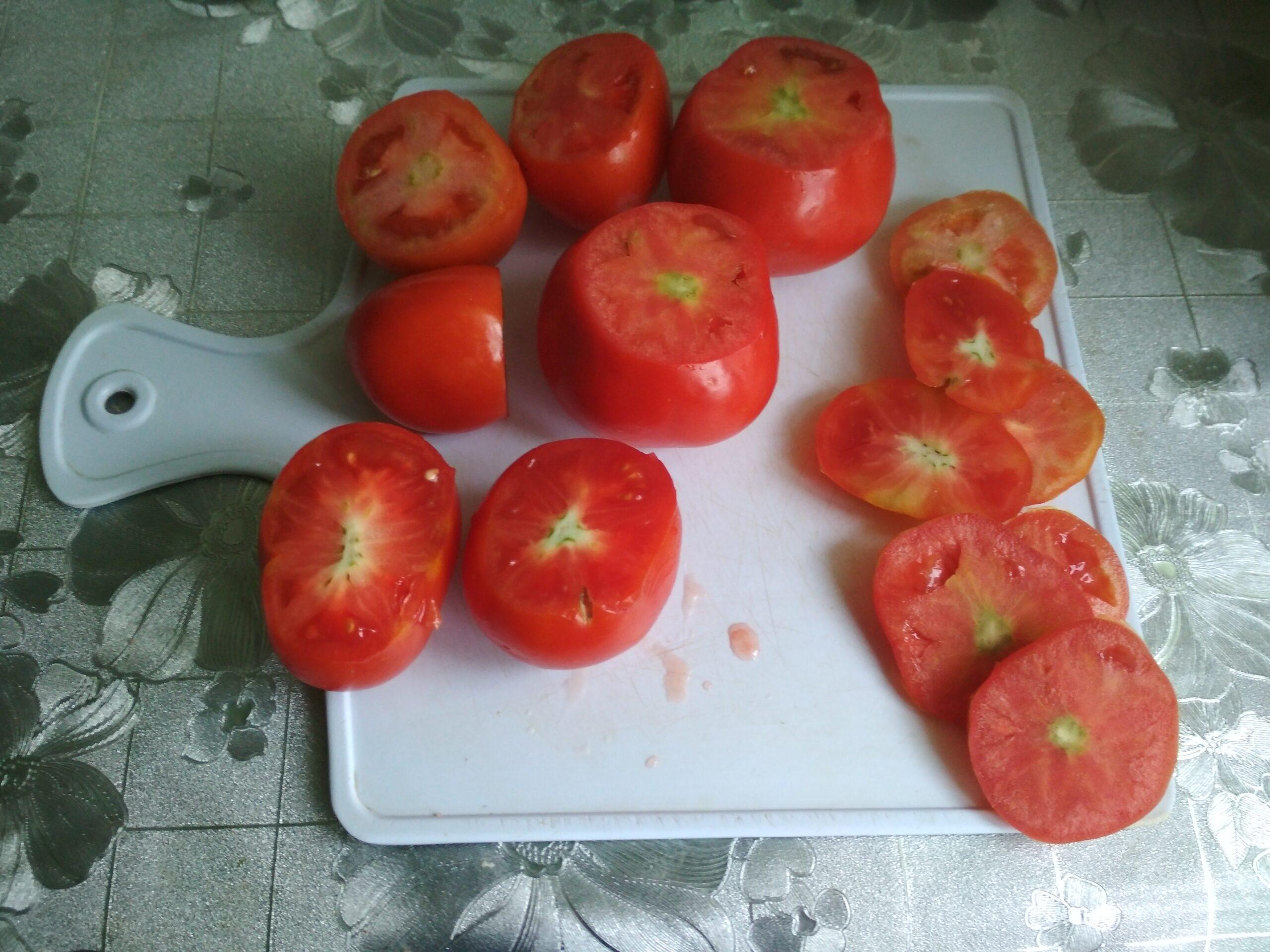 Фаршированные помидоры с колбасой и сыром – рецепт закуски