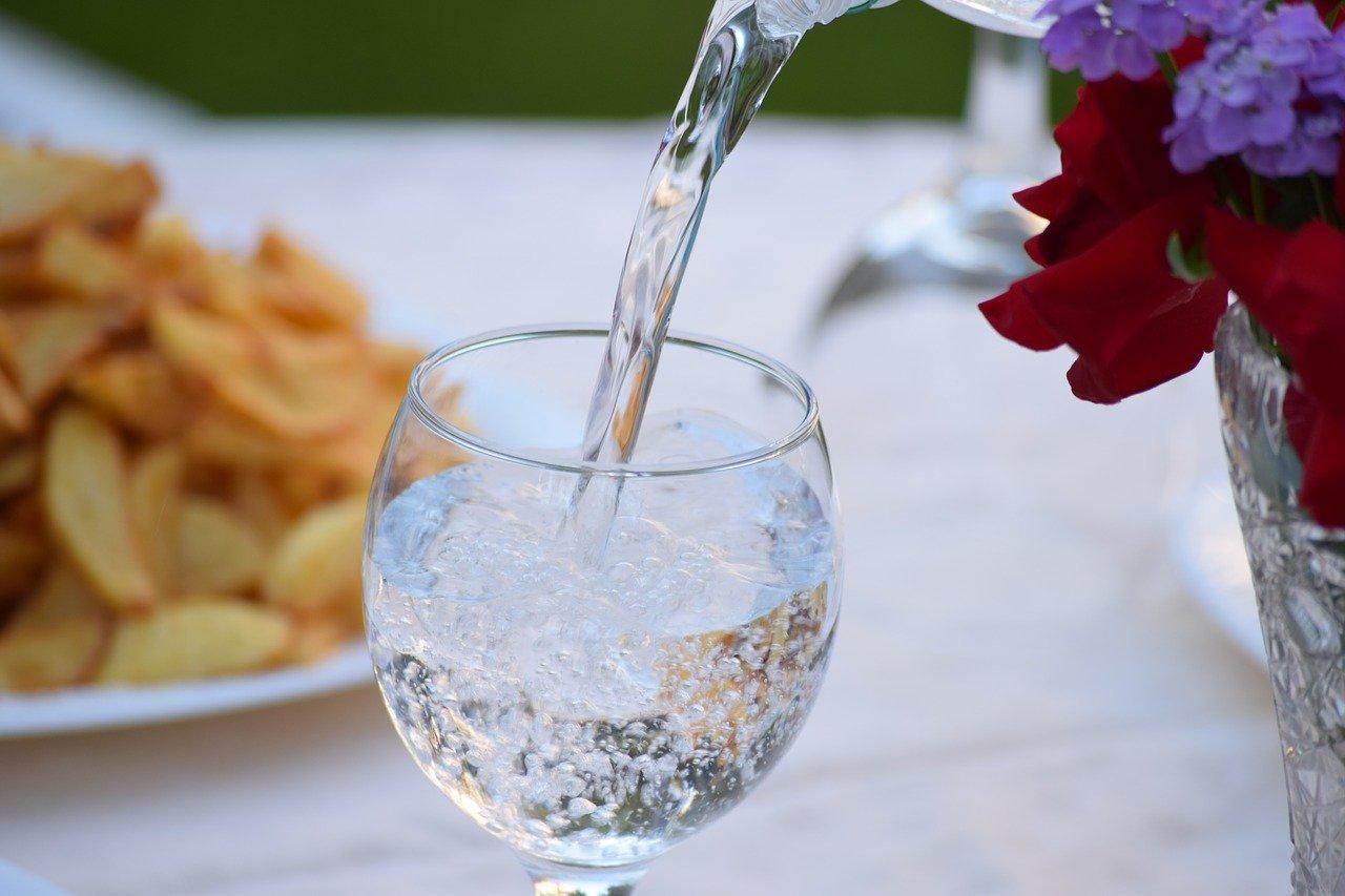 Проблема с цветом лица? Проверьте, правильно ли вы пьете воду?