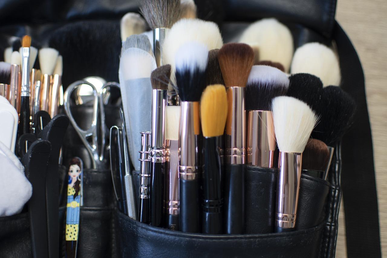 Хитрости нанесения макияжа, о которых молчат визажисты