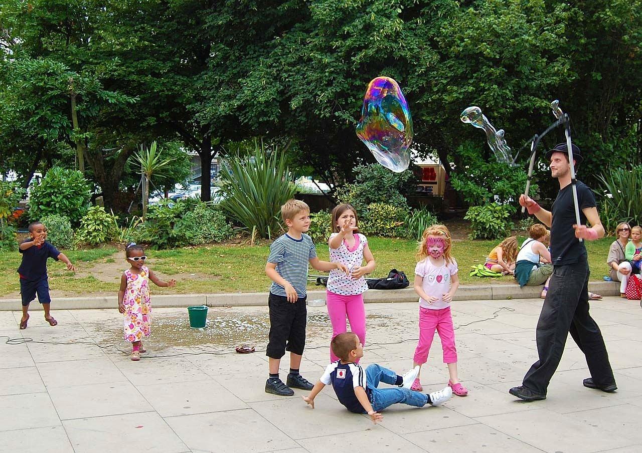 Как организовать праздник для детей?
