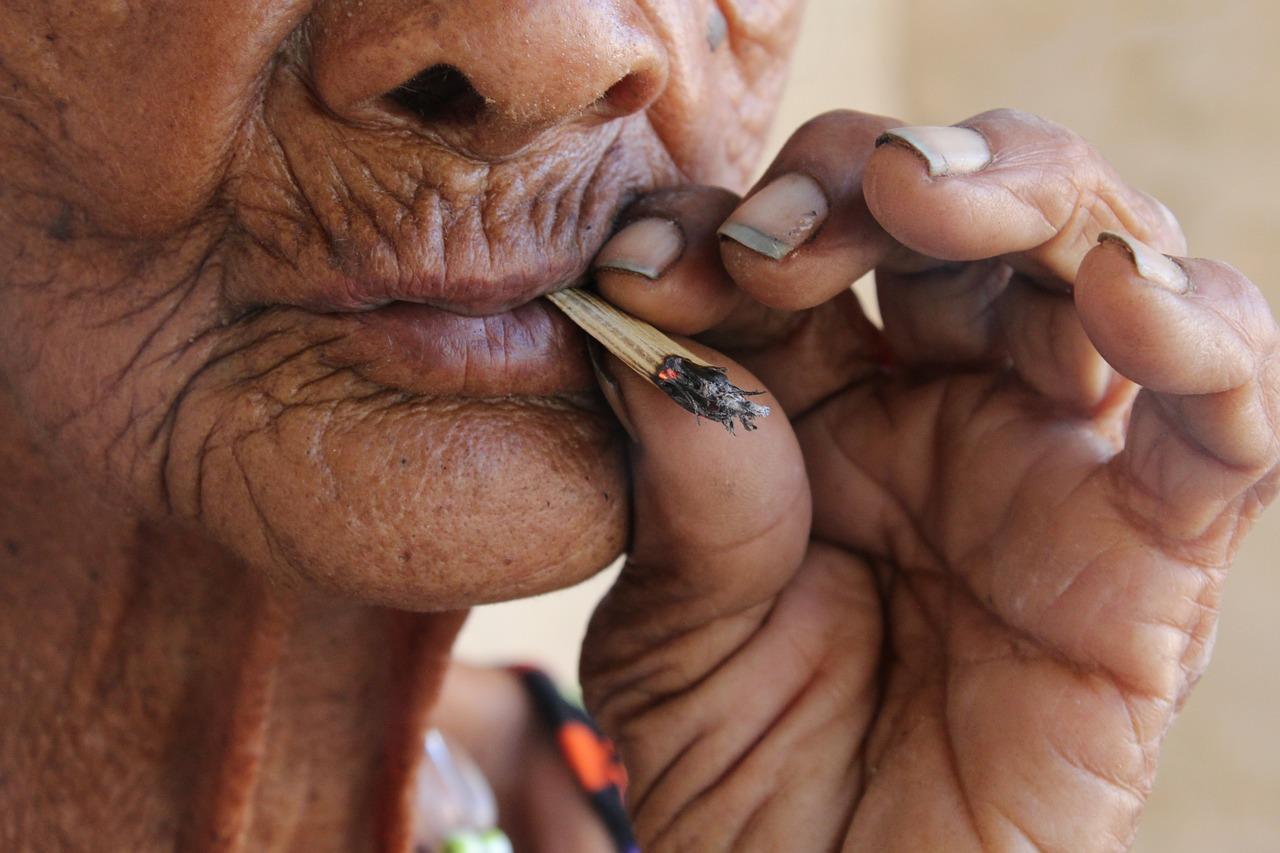 Морщины курильщика - как их предотвратить и как устранить?