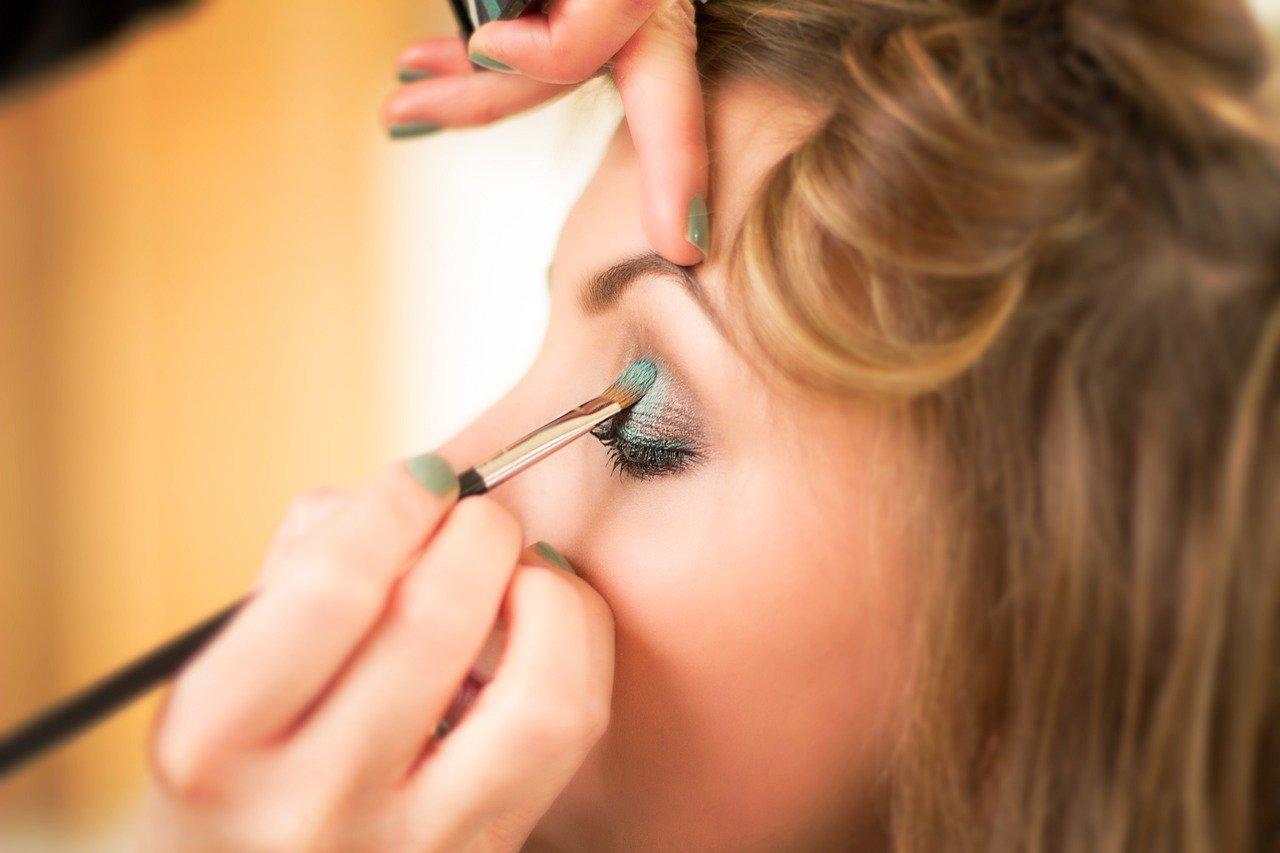Вещи в косметичке, которые вредят красоте