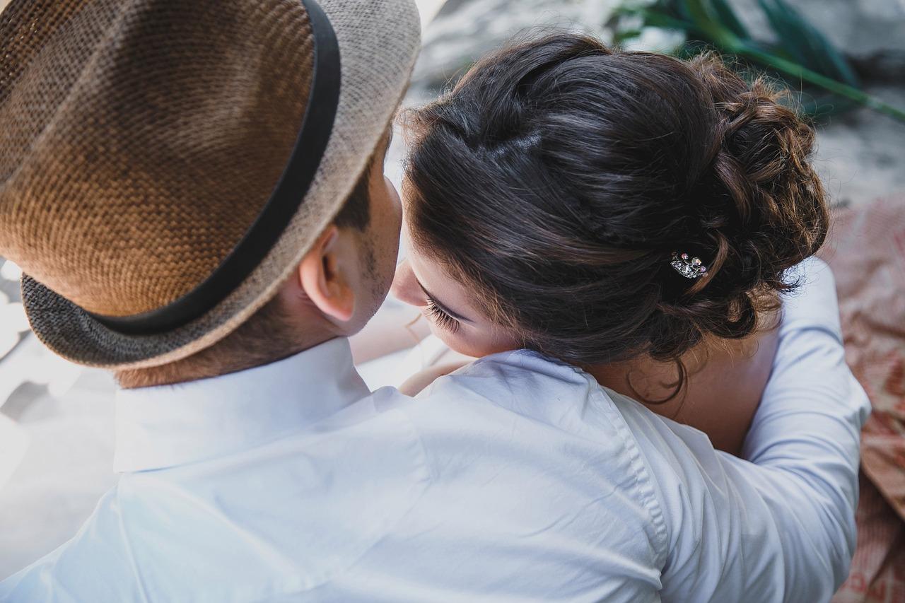 5 причин, по которым женщины заводят романы с женатыми мужчинами