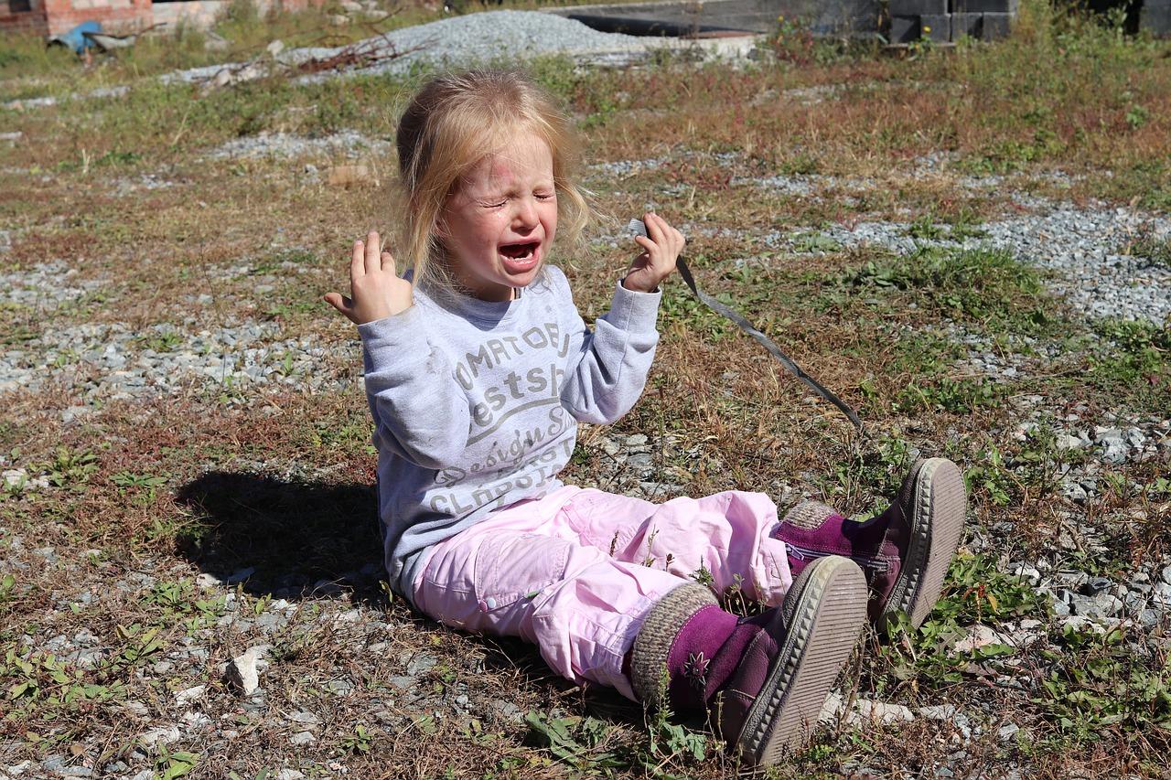 Что делать, если ребенок часто ноет?
