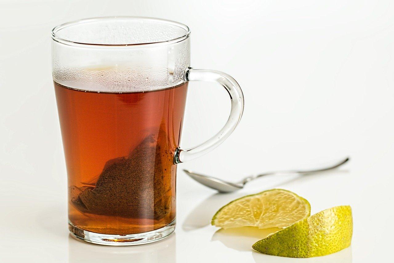 Чай с лимоном. Пить или не пить?