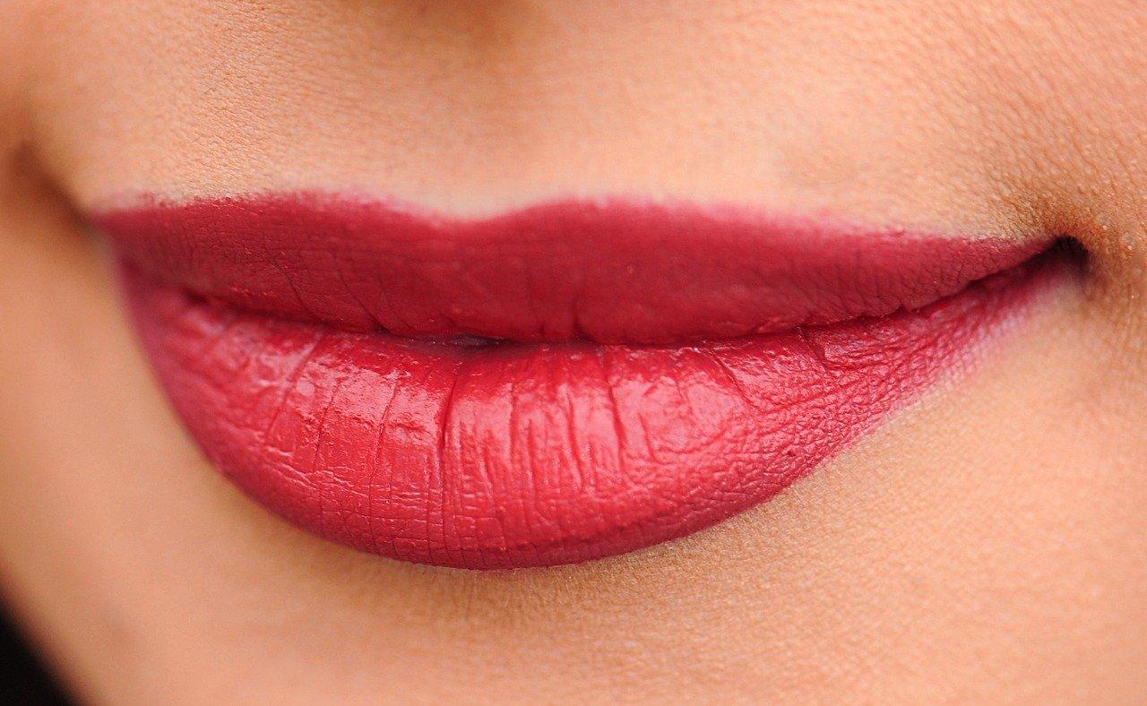 Как сделать губы привлекательными без использования дорогостоящих инъекций?