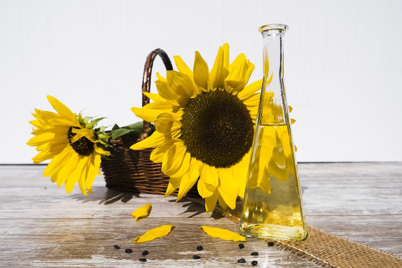 Какими продуктами можно смыть макияж без мицеллярной воды?