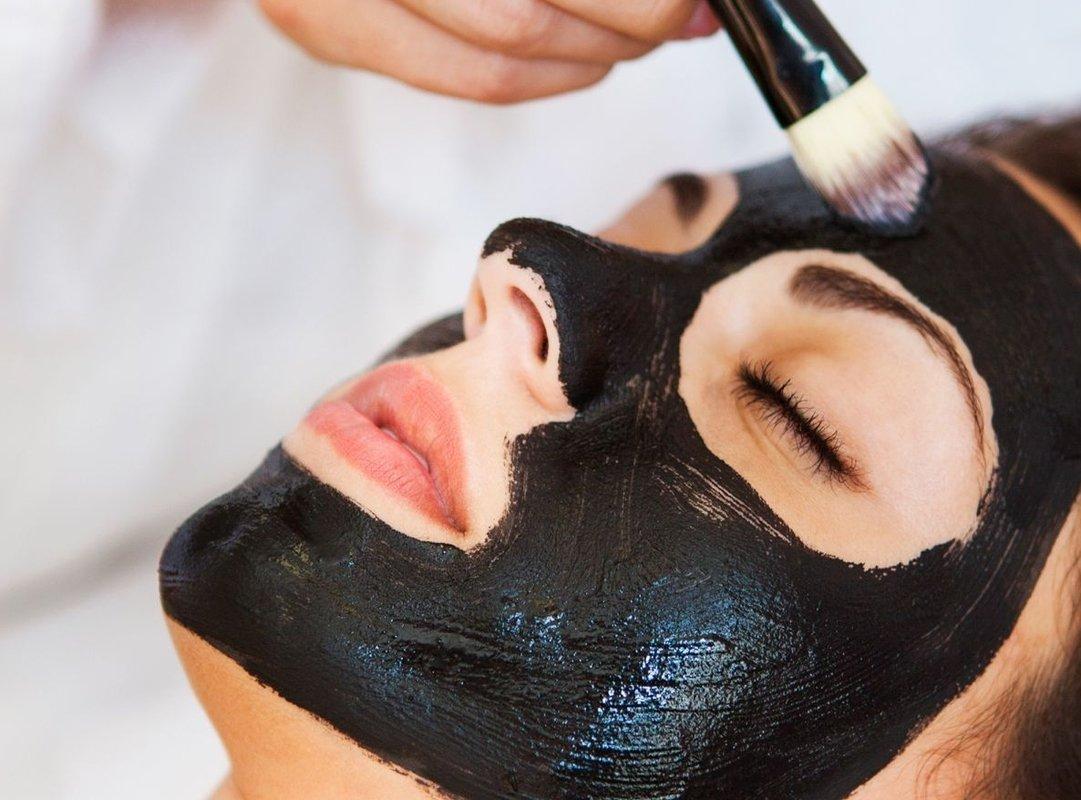 Черная маска, которая сделает тебя моложе на 5 лет!