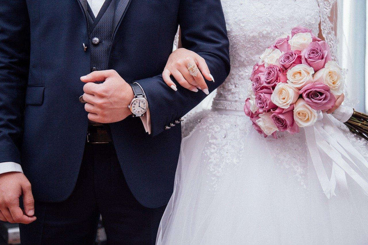 Зачем девушкам замуж?