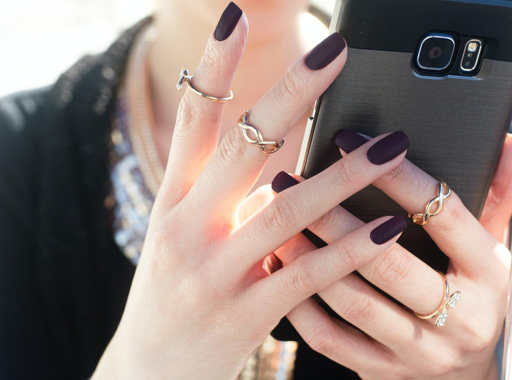 Какое наращивание ногтей лучше?