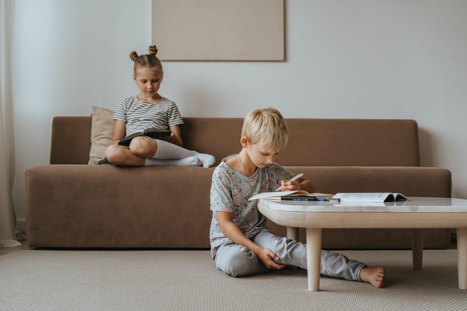 Наличие сестры делает жизнь ребенка намного лучше
