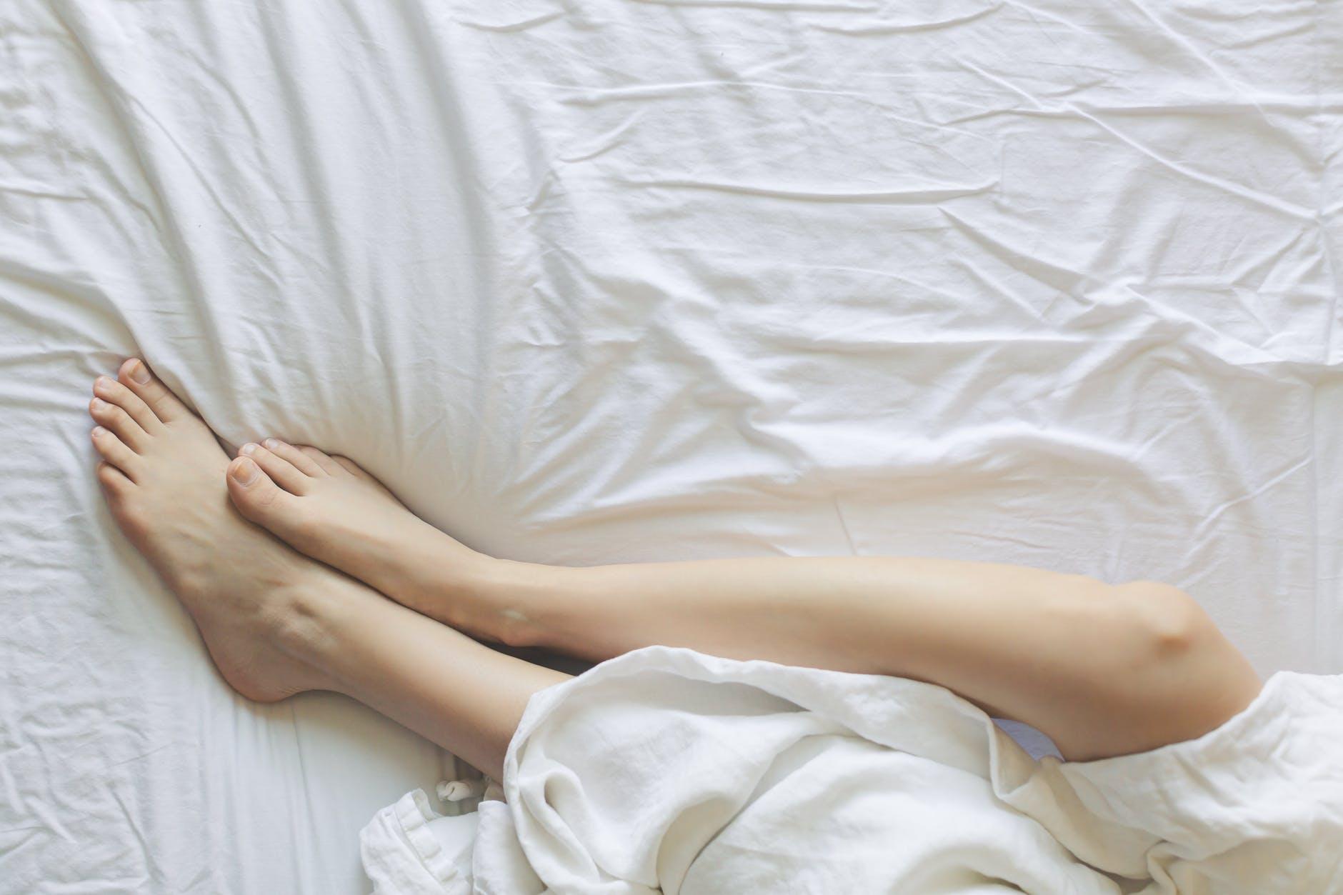 10 способов избавиться от неприятного запаха ног