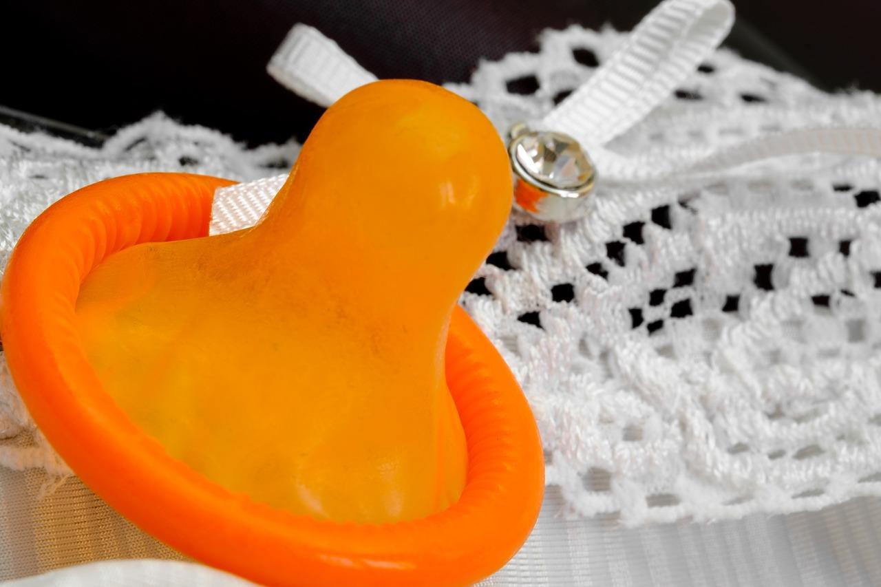 Что нужно делать, если во время полового акта у вас порвался презерватив?