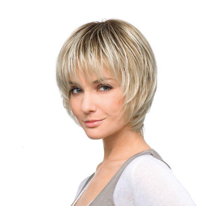 Особенности женских стрижек для коротких волос, лишенных объема