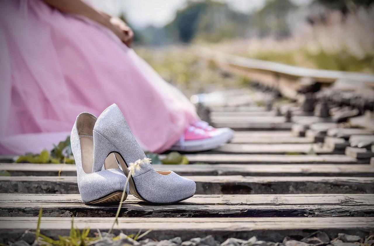 Почему обувь на высоких каблуках лучше не носить?